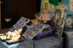 Handwerkskunst zeigt sich beim Schnitzen der Krippenfiguren aus Olivenholz. Immer häufiger werden jedoch Plastikfiguren aus Fernost bevorzugt und in den ganzen Souveniershops rund um die Geburtskirche angeboten.
